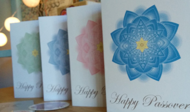Happy Passover Folded Greeting Cards And Round Decorations for Envelopes